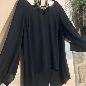 Torrid Black Hi-Lo top w/split sleeves - Size 2
